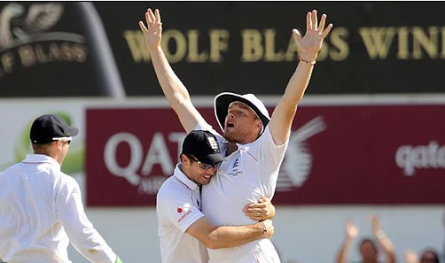 Flintoff-run-out-ponting