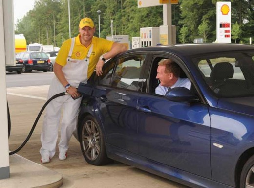 Andrew-freddie-flintoff-the petrol pump attendant
