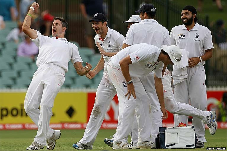 Kevin 'golden arm' Pietersen celebrates the potentially vital wicket of Michael Clarke at the end of a pulsating 4th day