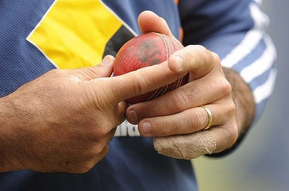 Ricky Ponting looks set to play at the MCG despite his broken digit and will be desperate to get amongst the runs again