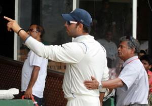 Yuvraj 'water boy' Singh endured a torrid 2010