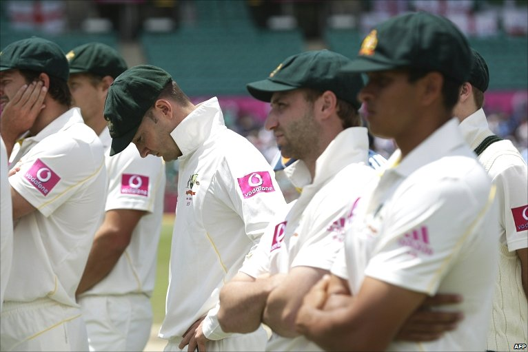 Michael Clarke and a despondent Australian team after another crushing defeat at Sydney