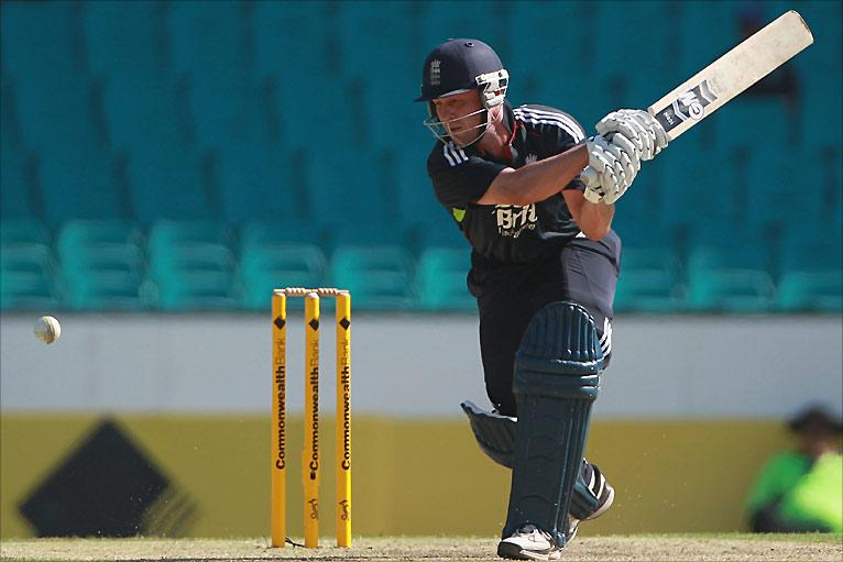 Jonathan Trott hits yet more runs against Australia