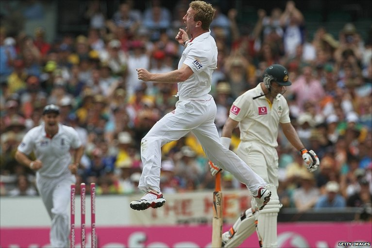 Paul Collingwood celebrates the wicket of Mike Hussey  on day 2, but day 3 will see his big moment