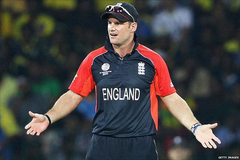 Andrew Strauss knows the game is up as Dilshan and Tharanga canter to victory