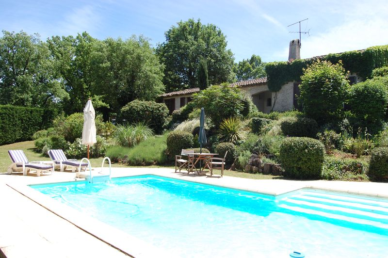 Main - Pool and view of house_1457
