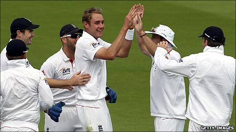 Stuart Broad was finally amongst the wickets after a wretched summer