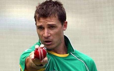 Dale Steyn lines up Michael Clarke in his sights