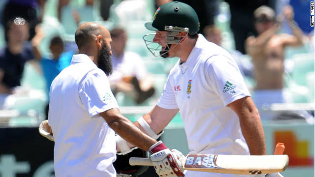 Hashim Amla and Graeme Smith led South Africa comfortably to their winning target