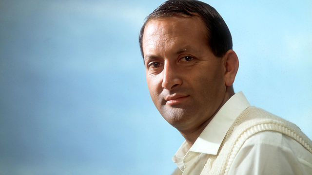 Basil D'Oliveira - a great cricketer and a dignified man