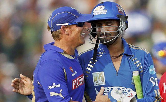 Shane Warne and Harbhajan Singh in happier times