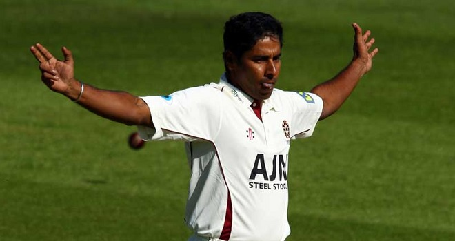 Chaminda Vaas will be back amongst the wickets for Northants