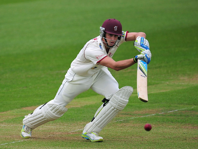 Craig Kieswetter smashed 152 as Warwickshire crashed to defeat at Taunton